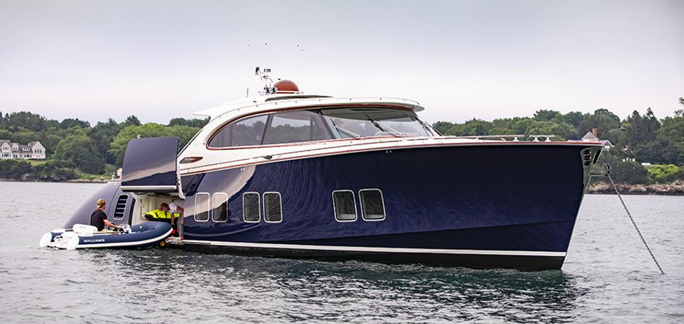 The tender garage of the Zeelander yachts Z72.