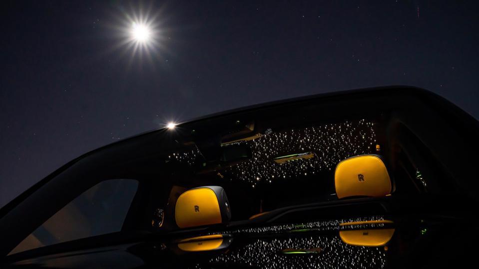 Starlight Headliner in the Roll-Royce Cullinan SUV