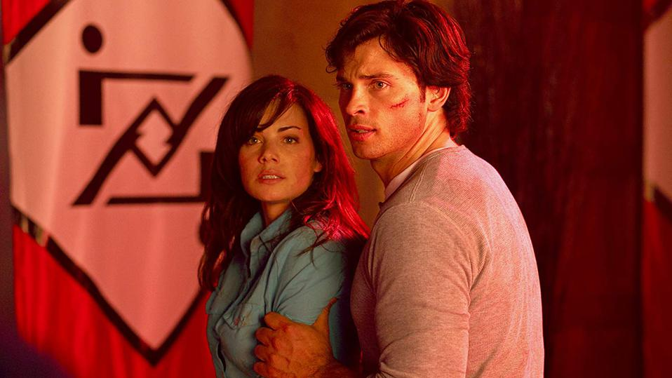 Tom Welling and Erica Durance in 'Smallville'