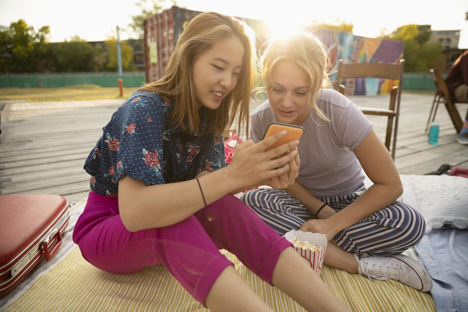Customer Of The Future: 5 Ways To Create A Customer Experience For Gen-Z