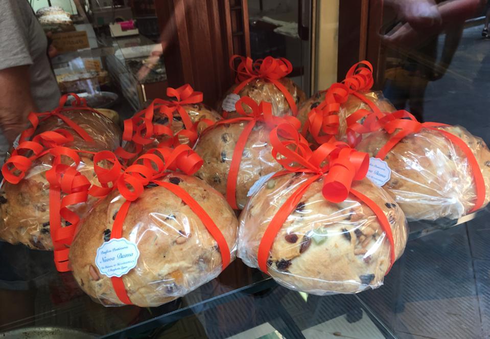 Pandolce cakes in Liguria.