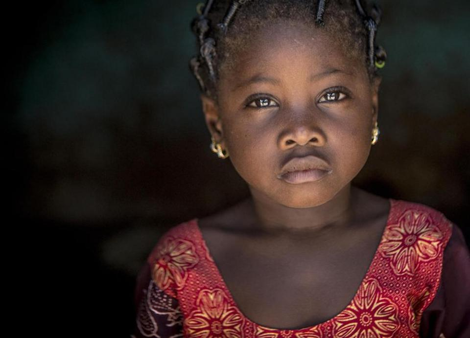 Six-year-old Kadia is healthy, but the humanitarian crisis in Mali continues to worsen. Flexible funding from donors enabled UNICEF to respond to a dramatic increase in insecurity and displacement in the Central Sahel in 2019.