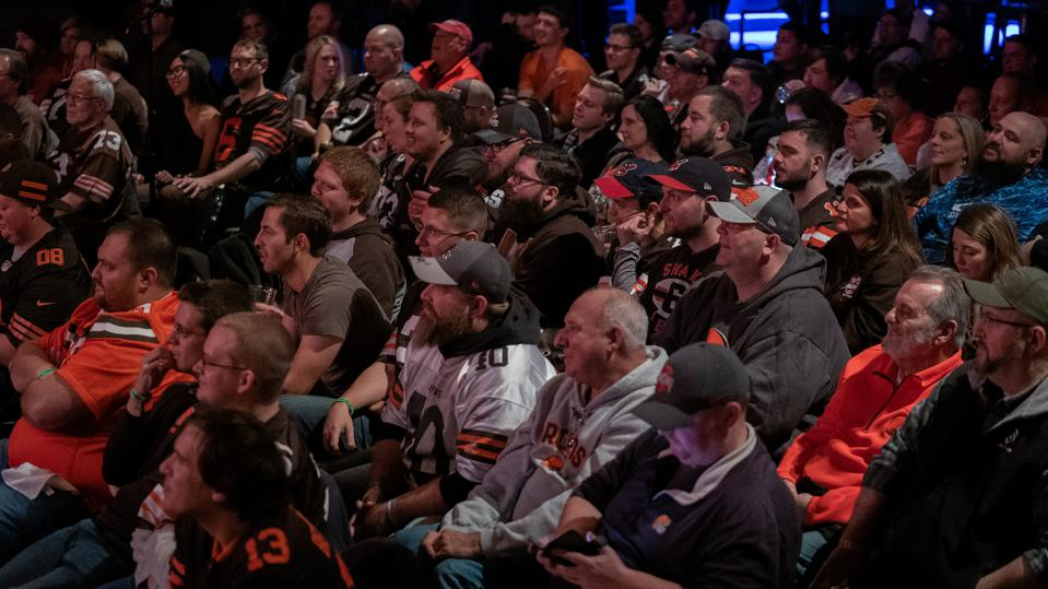 More than 350 fans attended the first-ever live taping of The ThomaHawk Show on November 13 at the House of Blues in Cleveland.