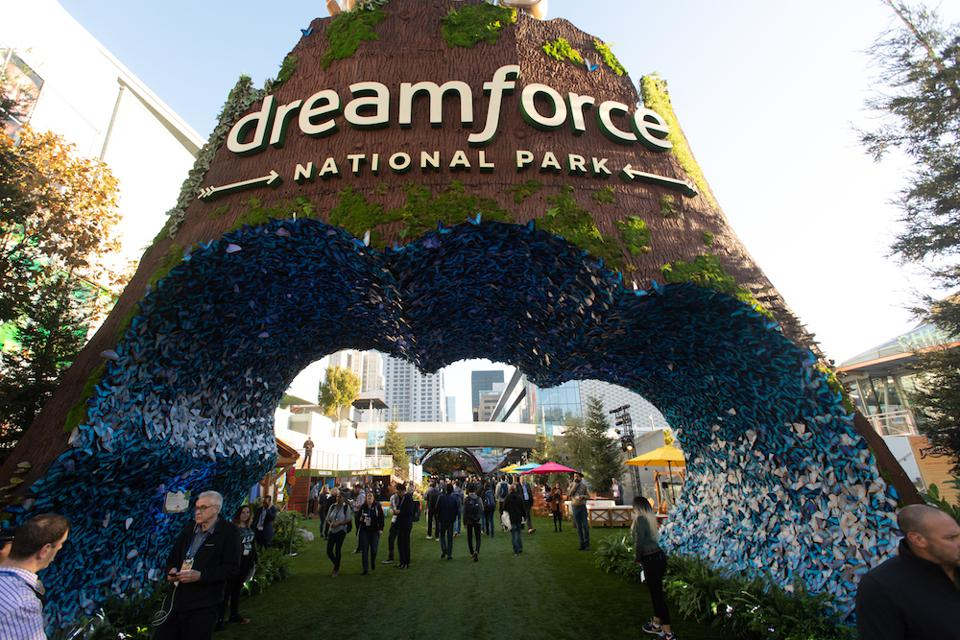 The entrance to Dreamforce 2019
