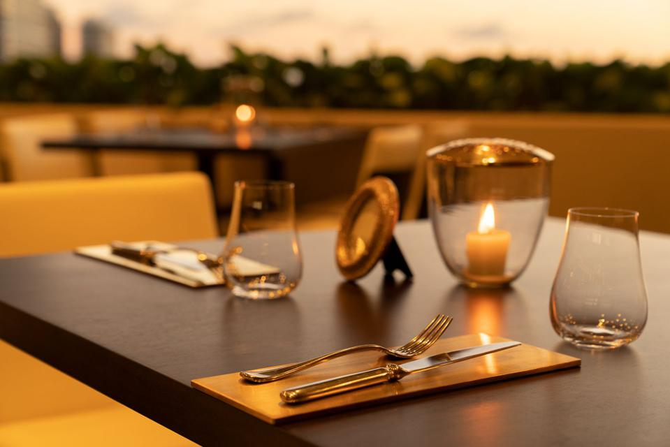 La Vie Restaurant Waikiki at the Ritz-Carlton Residences