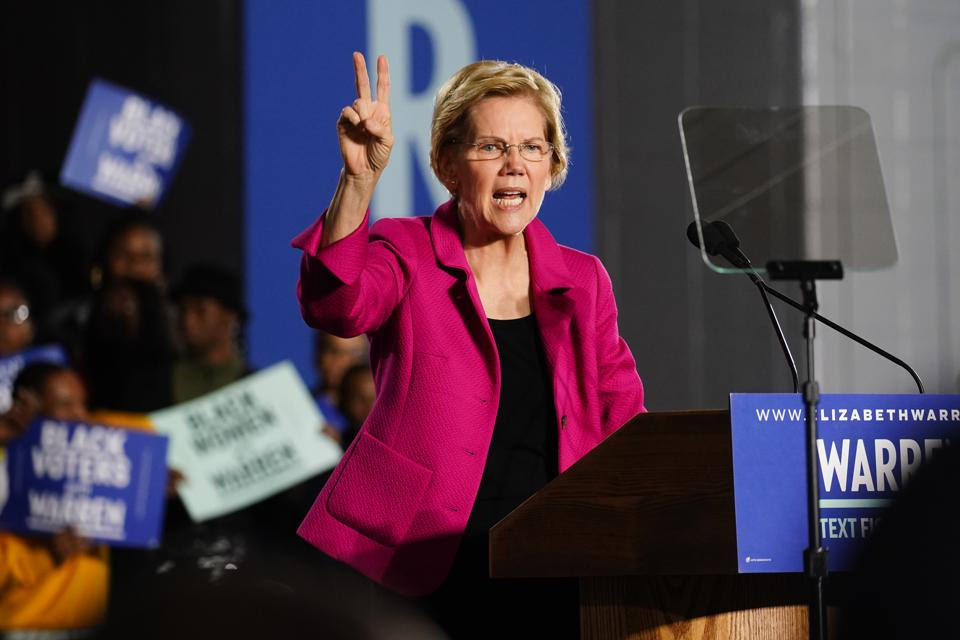 Democratic Presidential Candidate Elizabeth Warren Speaks At Clark Atlanta University