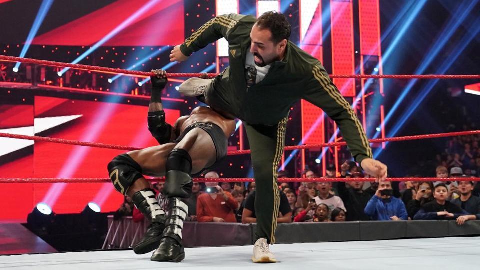 WWE Raw: Rusev vs. Bobby Lashley