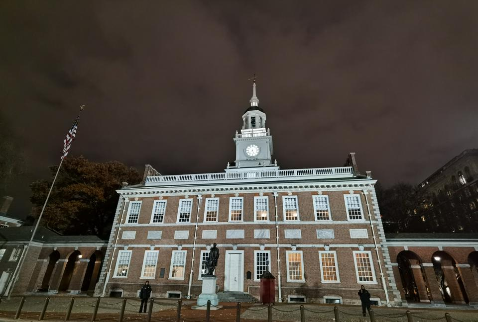 A shot of the Independence Hall in Philadelphia taken by the Huawei Mate 30 Pro.