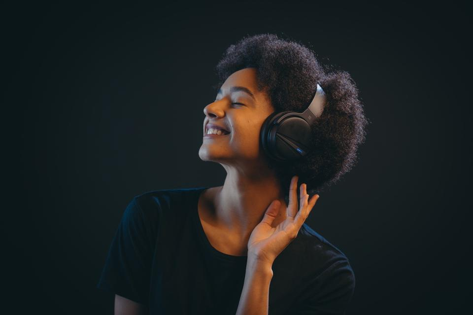 Can These Noise-Canceling Headphones From SHIVR Beat The Best On The Market?