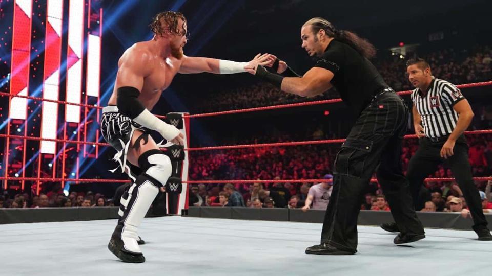 WWE Raw: Matt Hardy vs. Buddy Murphy