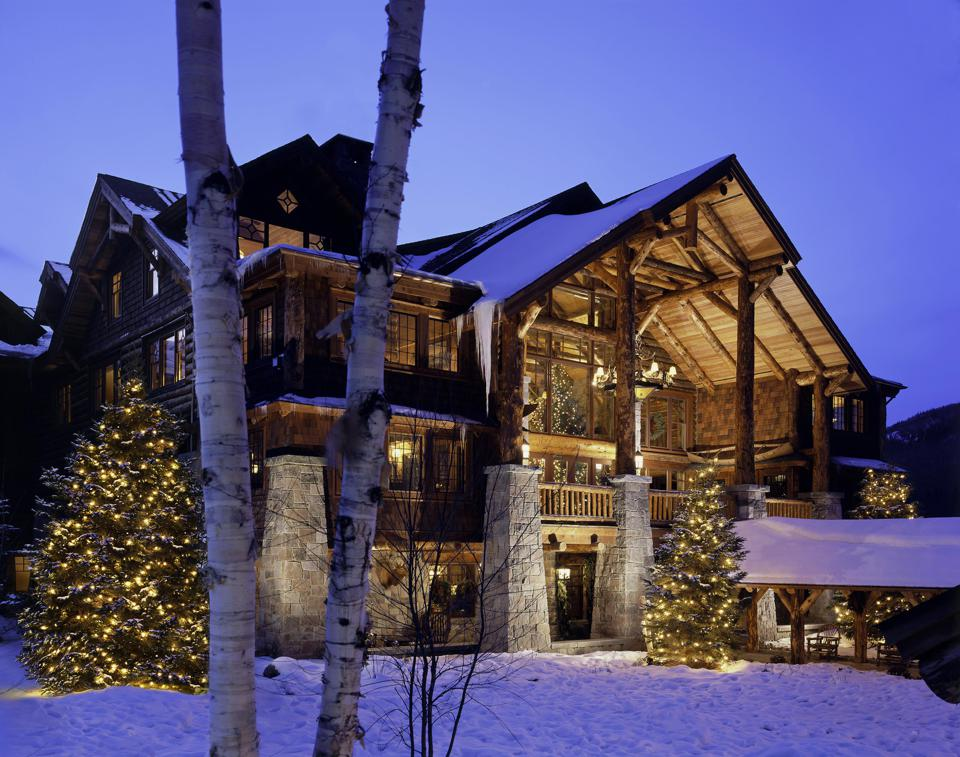 Whiteface Lodge is the ideal winter hideaway to celebrate.