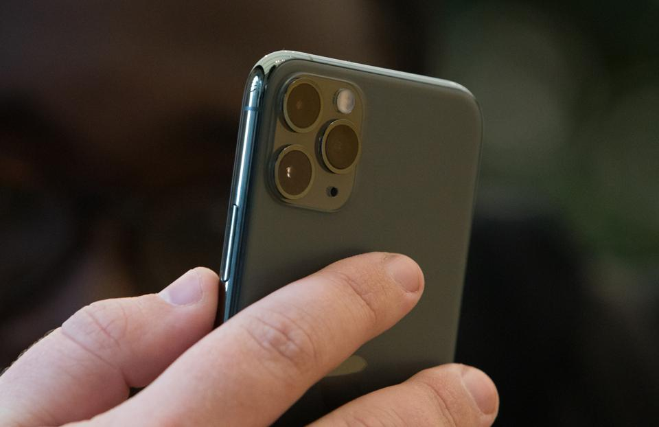 Best Battery Life Phone 2020.Bigger Iphone 12 Battery Will Be An Important 2020 Trend