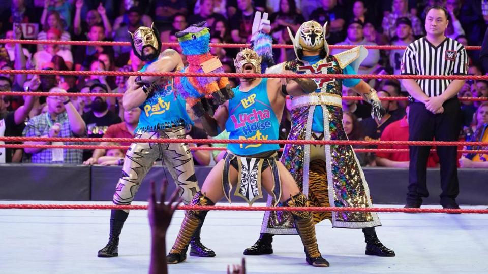 WWE Lucha House Party Gran Metalik Kalisto