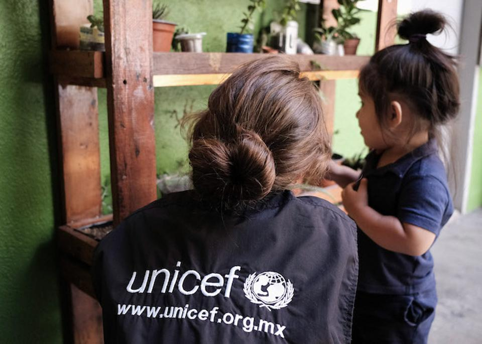 UNICEF Mexico staff members and partners provide essential services and support to uprooted children and their families every step of the way.