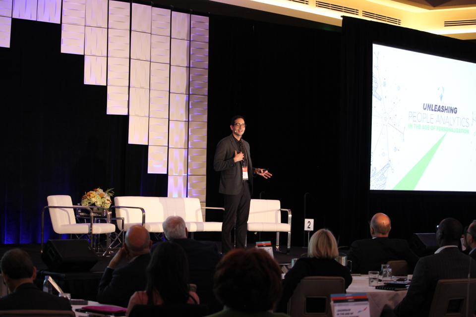 Gustavo Canton, presenting at the Leadership in the Age Of Personalization Executive Summit.