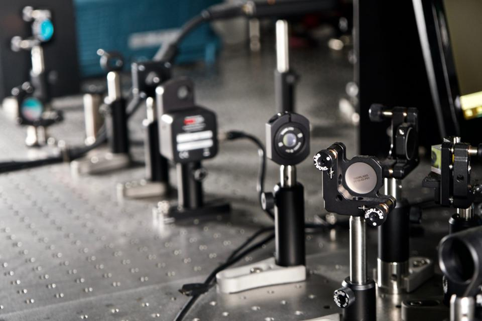 Laser equipment and mirrors