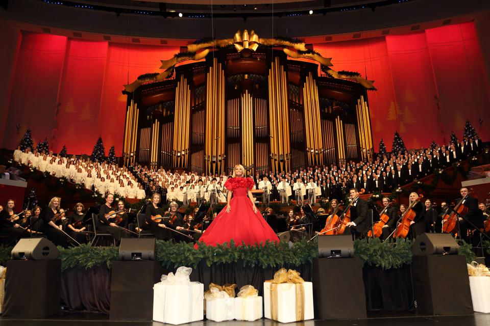'Christmas with The Tabernacle Choir featuring Kristin Chenoweth'