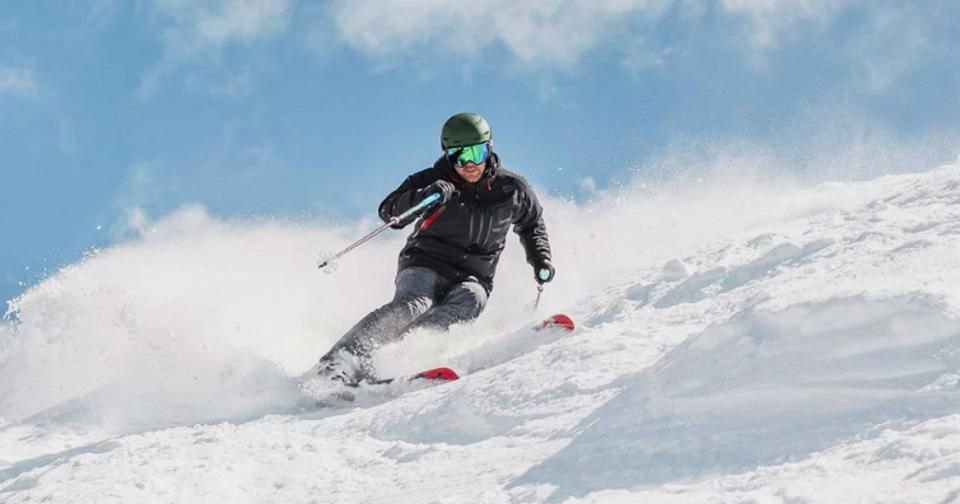 The SPYDER Pinnacle Jacket is a jacket meant to be skied hard and look great at the same time.