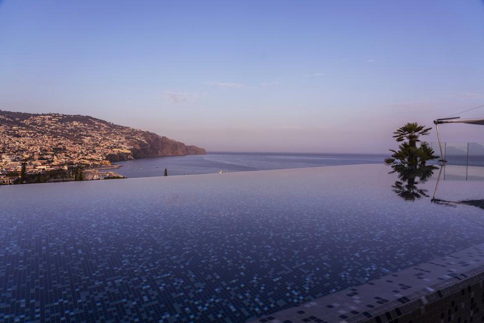The infinity pool at the Skybar, Savoy Palace