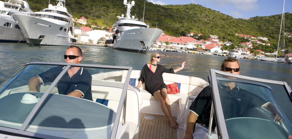 Superyacht showdown in St.Barths