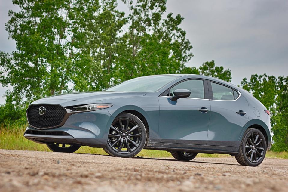 2019 Mazda 3 Premium AWD (10 of 25)