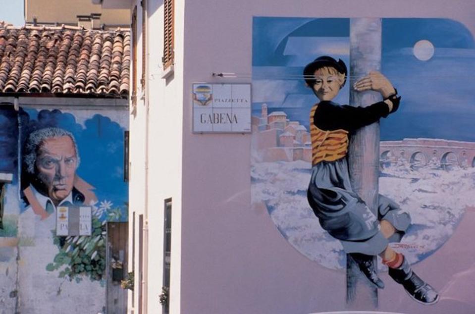 Fellini murals at Borgo San Giuliano