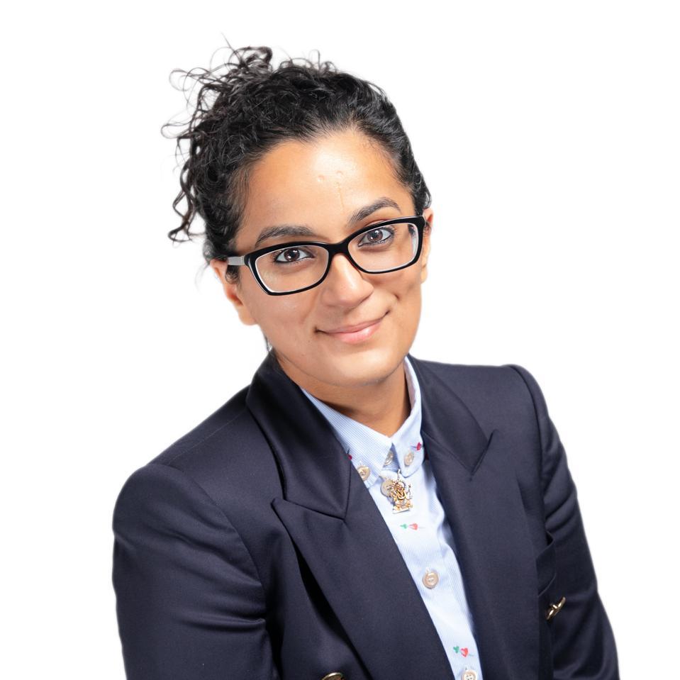 Sonya Passi headshot