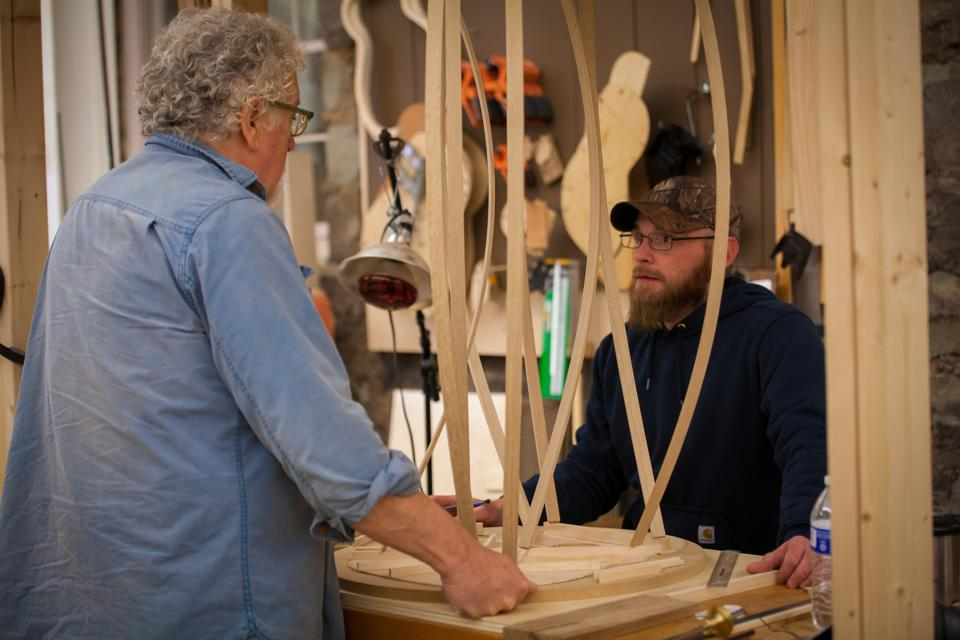 Naselroad and Haney discuss guitar making.