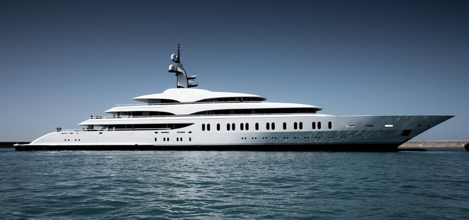 IJE is one of three ″gigayachts″ launched by Benetti this year.