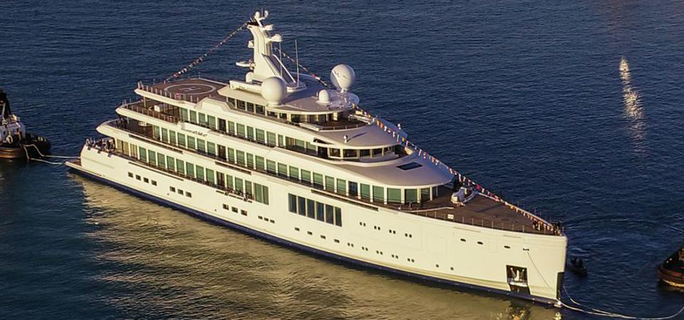 Zoza is another Benetti ″gigayacht.