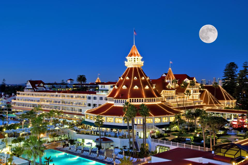 Holiday Magic Is Unmatched At The Hotel Del Coronado