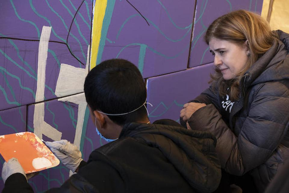 Paloma Escudero, UNICEF Director of Communication, visits teenagers primarily from Central America at a shelter for unaccompanied migrant adolescents in Tijuana, Mexico.