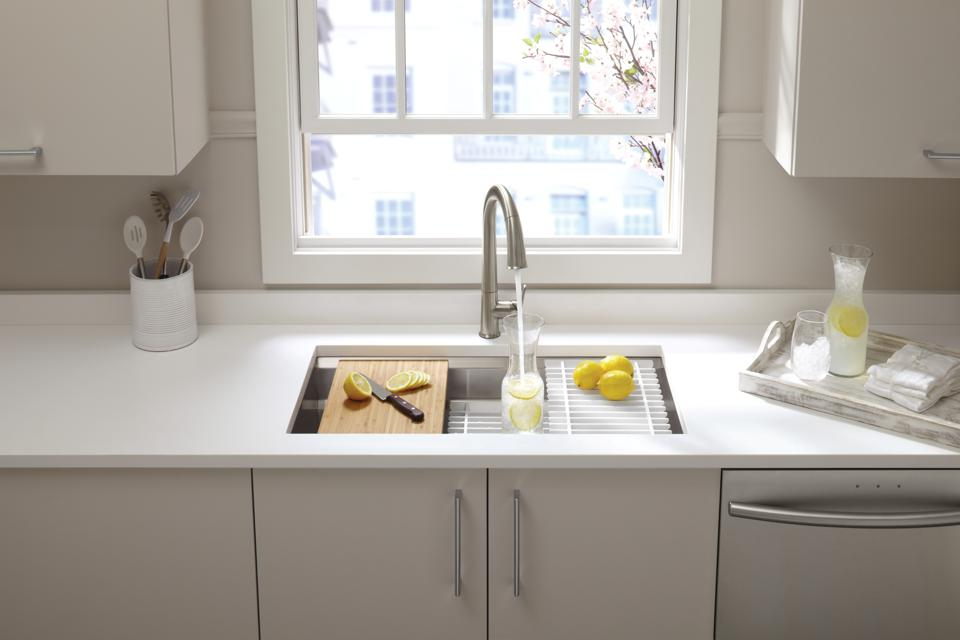 Pro-style chef sink and sleek faucet