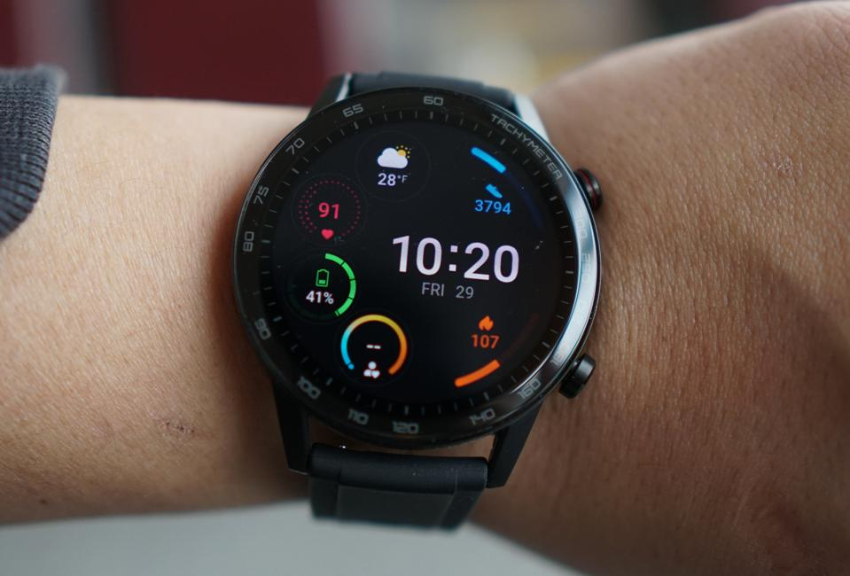 The Honor MagicWatch 2 looks classy and has really impressive battery life.
