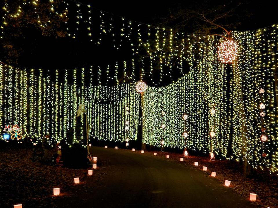Best Holiday Light Displays Across the U.S.