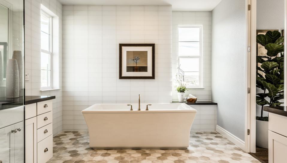 Graphic patterns in bathroom floor tile