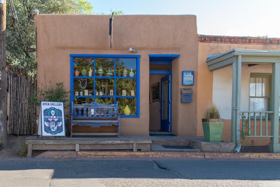 Hecho a Mano Santa Fe Art Gallery