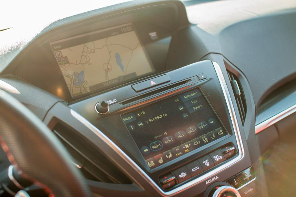 Acura MDX infotainment, navigation, and audio screens