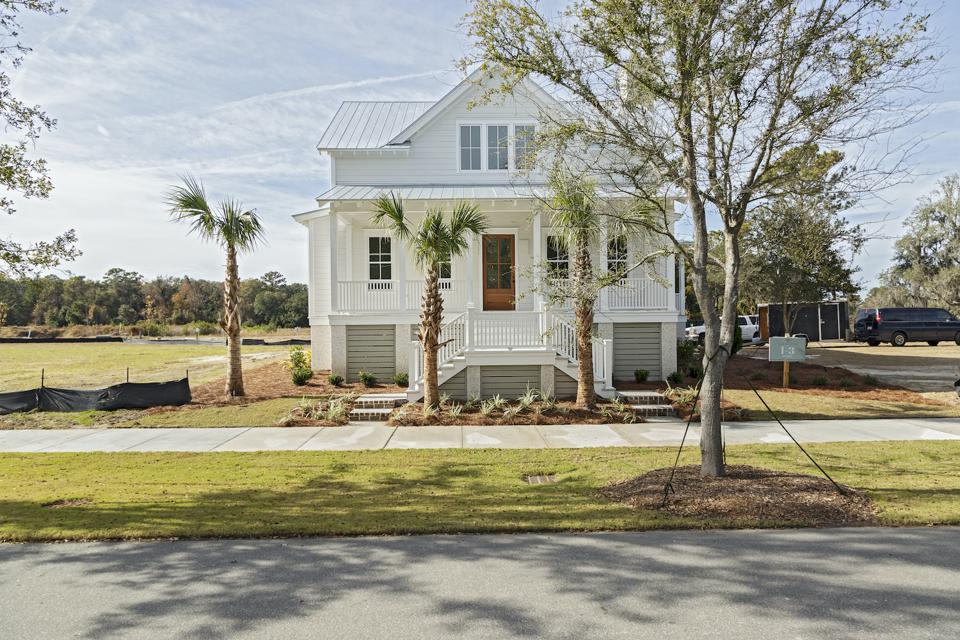 Another cottage style house in the Kiawah River community.