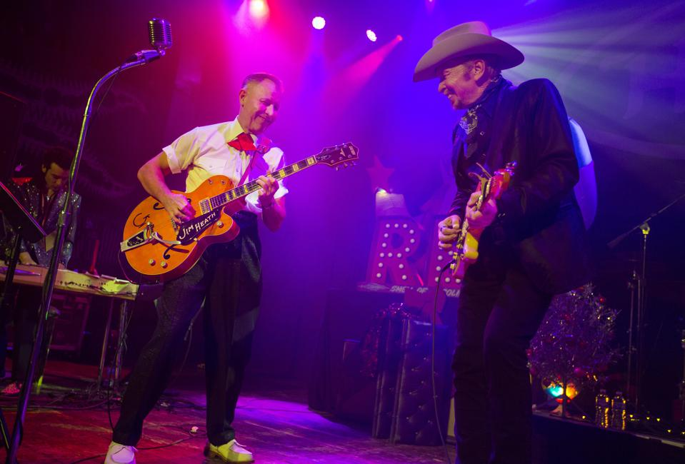 (Left to right) Jim Heath of the Reverend Horton Heat performs with Dave Alvin. Friday, November 29, 2019 at House of Blues in Chicago (Photo by Barry Brecheisen)