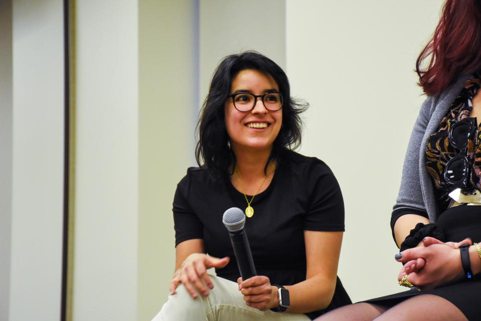 Beatris Alejandra Mendez Gandica is at a Latinas In Tech event.