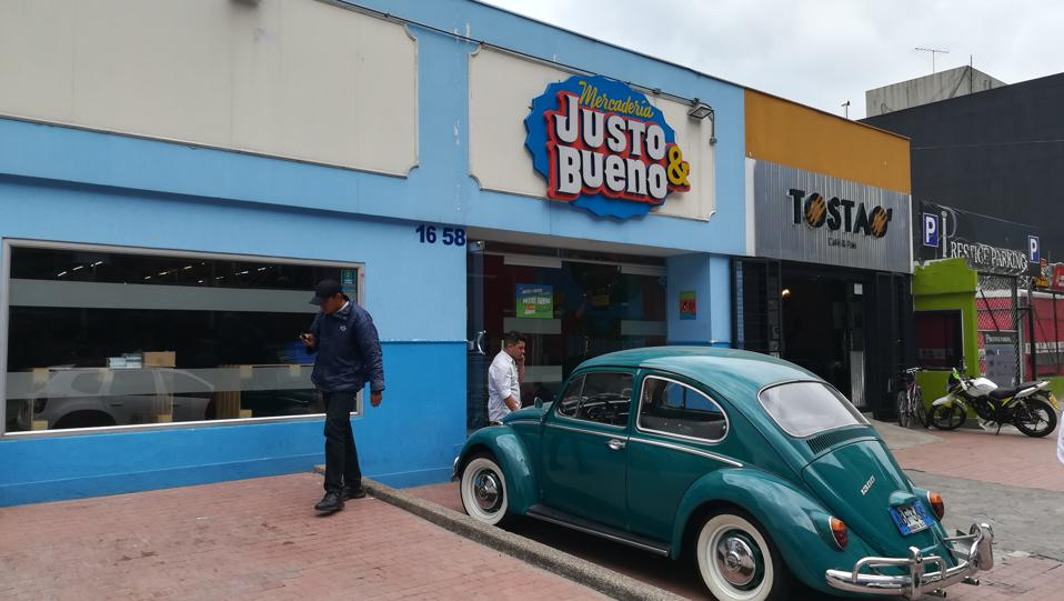 Justo & Bueno hard discounter from Colombia