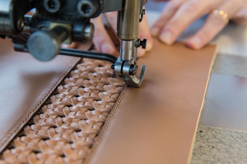 Paglia di Vienna basketweave pattern in leather