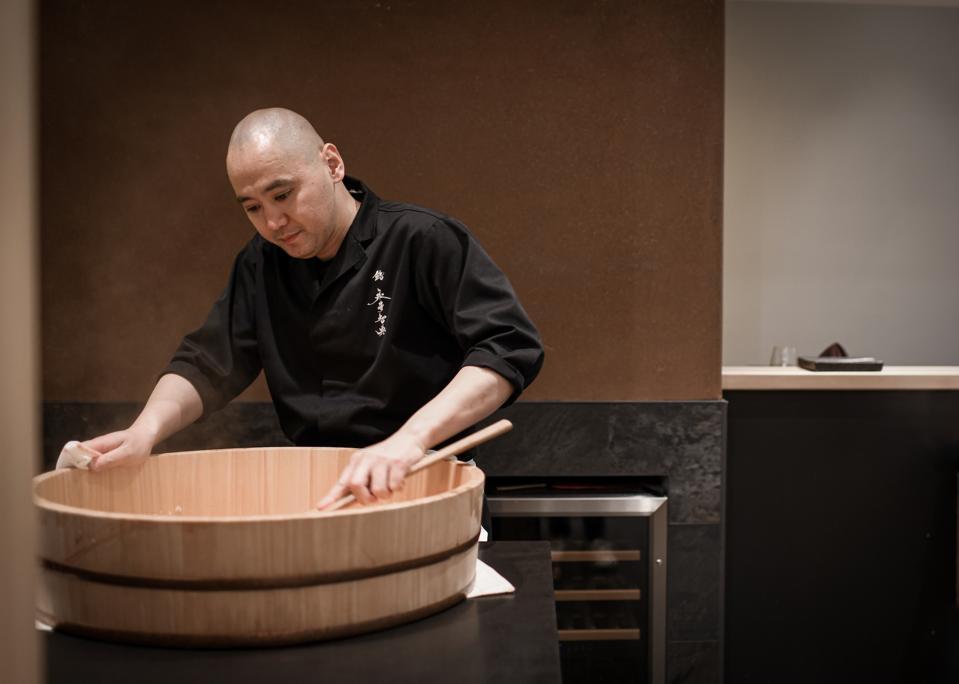 Chef Tomonori Nagai making Shari at Sushi Nagai