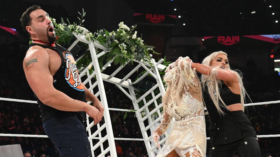 WWE Rusev, Lana, Liv