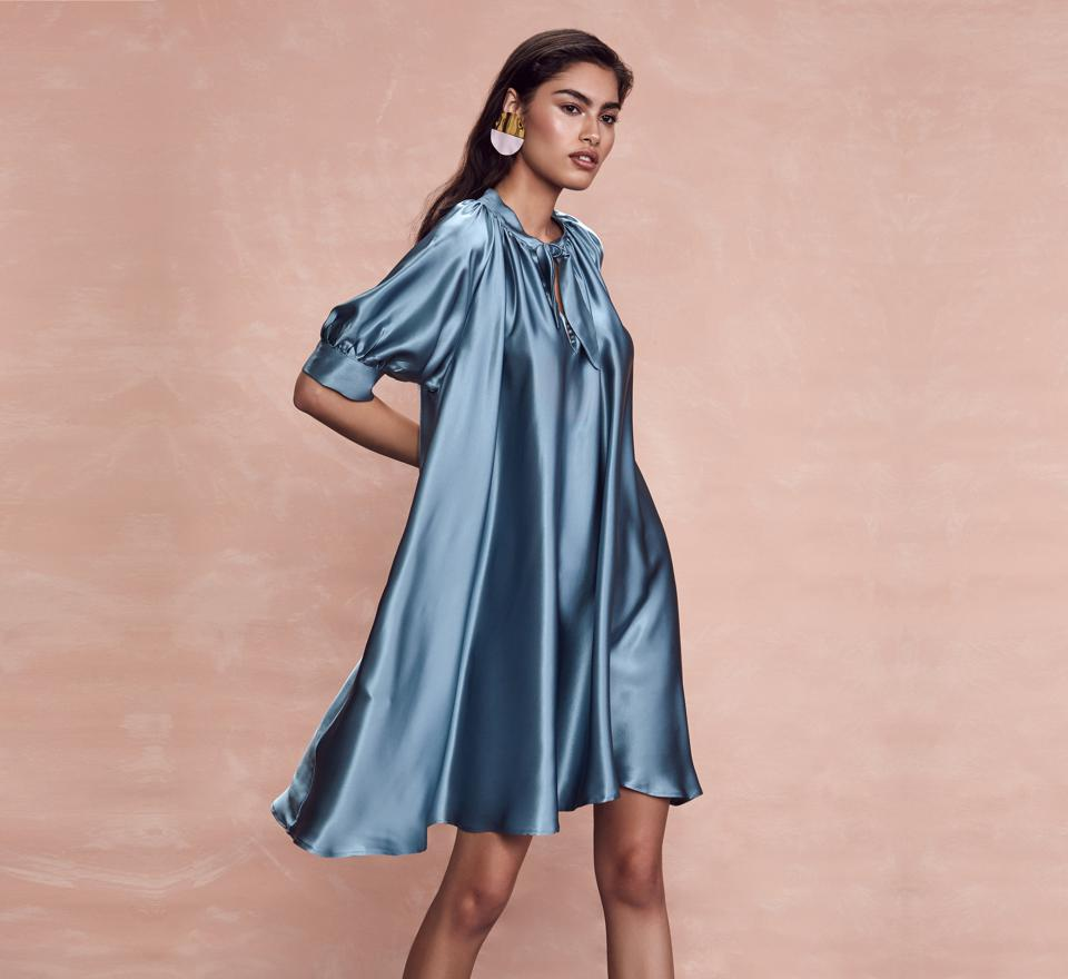 The Designer Amber Sakai Uses Unreconstructed Designs, Inspired From Her Travels, To Focus On Key Versatile Staples Including The Use of the 2020 Pantone Color of The Year, Electric Blue.