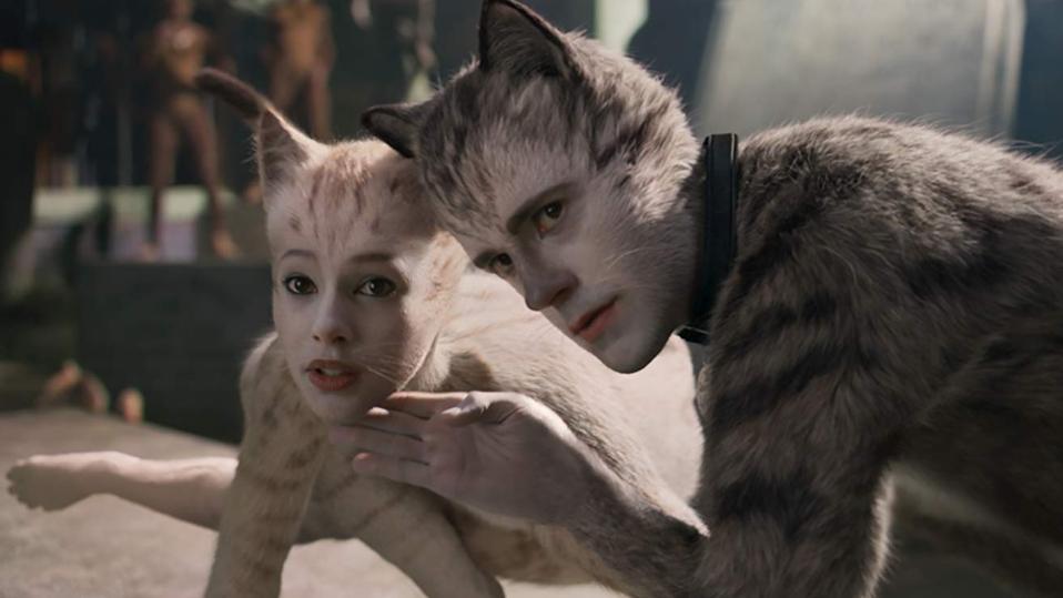 Robbie Fairchild and Francesca Hayward in 'Cats'