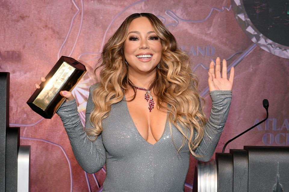 Mariah Carey Twitter account hacked by Chuckling Squad to post racist messages
