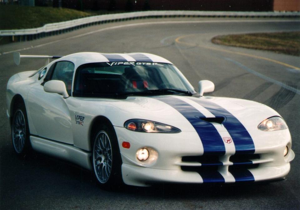 1998 Dodge Viper GTS-R.