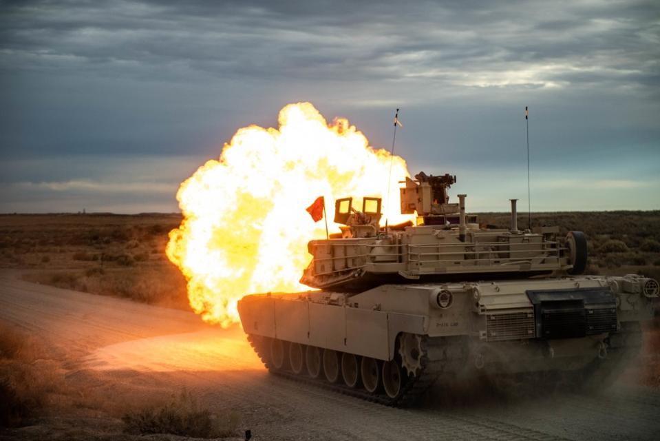 Tank, fire